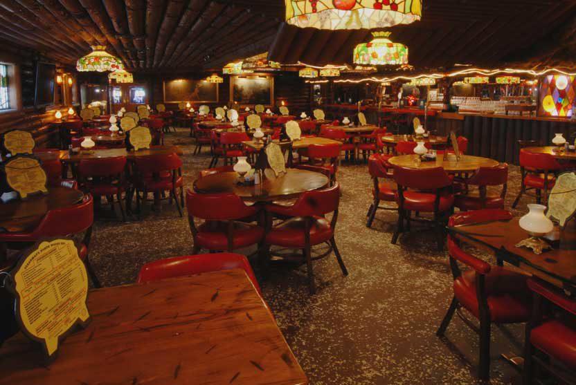 San Gabriel Restaurant dining room