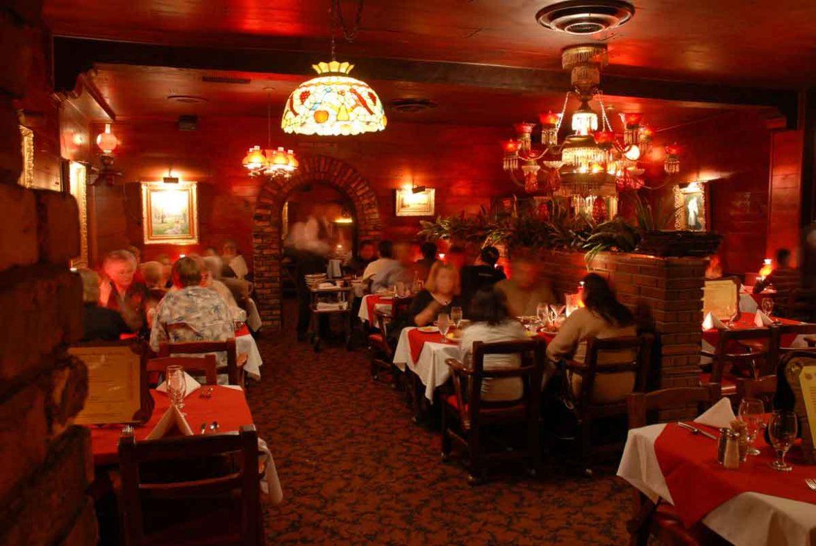 Steak n Stein dining room